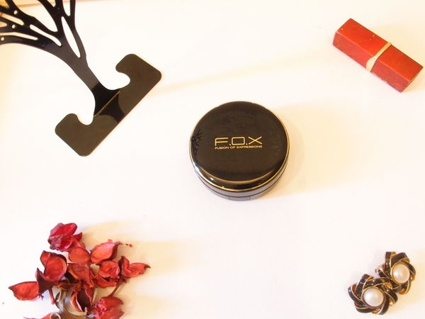 [ 特稿 ] 【F.O.X輕柔氣墊BB水粉SPF50】優雅底妝的必備品
