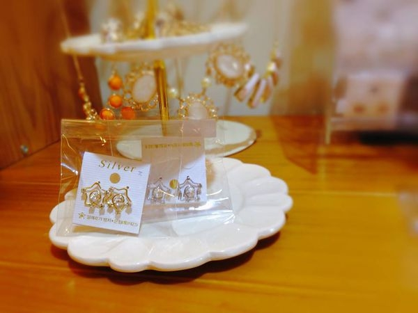 [韓國雜貨] ~* 大人氣の星鑽銀飾耳環 *~