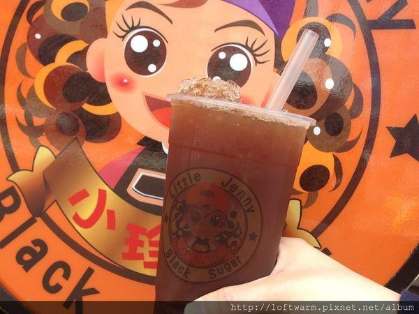台中特色黑糖飲料 小珍妮黑糖爆冰紅茶 台中北屯飲料界的紅茶冰女孩!! Taichung black sugar tea!