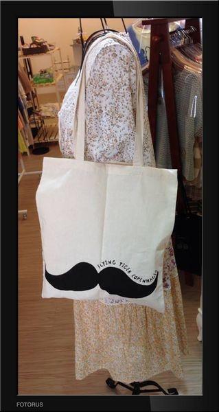 [歐美雜貨] ✈ ✈ 北歐雜貨 鬍子帆布包 / Clothes Bag