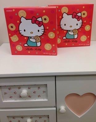 [日本零食] BOURBON Hello Kitty 圓形鐵盒餅乾