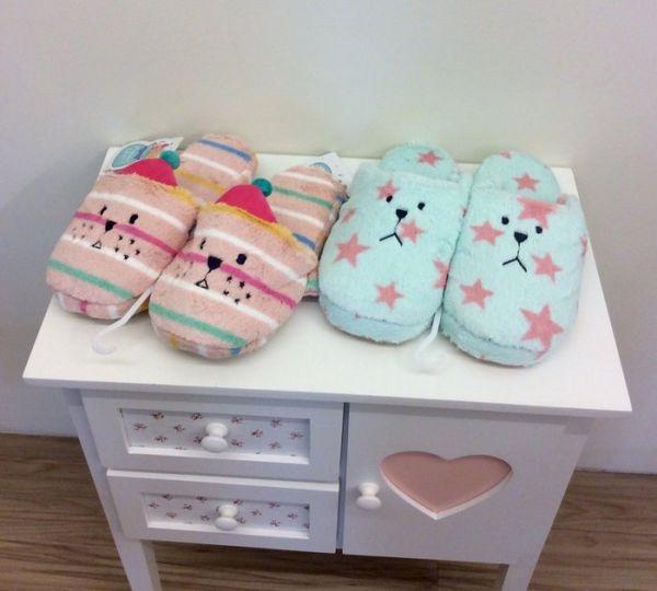 [日本雜貨] Craftholic 宇宙人 聖誕節版拖鞋!!