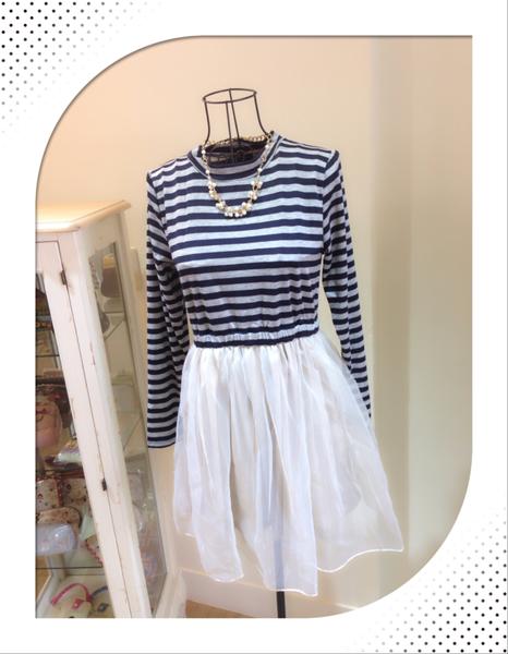 [日本雜貨] Autumn new arrivals 秋裝新品上市 藍色條紋上衣 拼接浪漫紗裙......