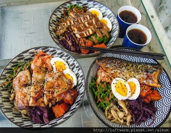 新竹清大南大校區餐廳推薦 小洋樓 可愛的歐式風格但吃著美味日式簡餐丼飯!風味創意料理~