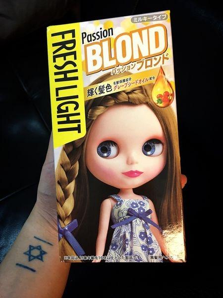 【髮型】Fresh Light 富麗絲小布娃娃染髮劑-亞麻棕 |