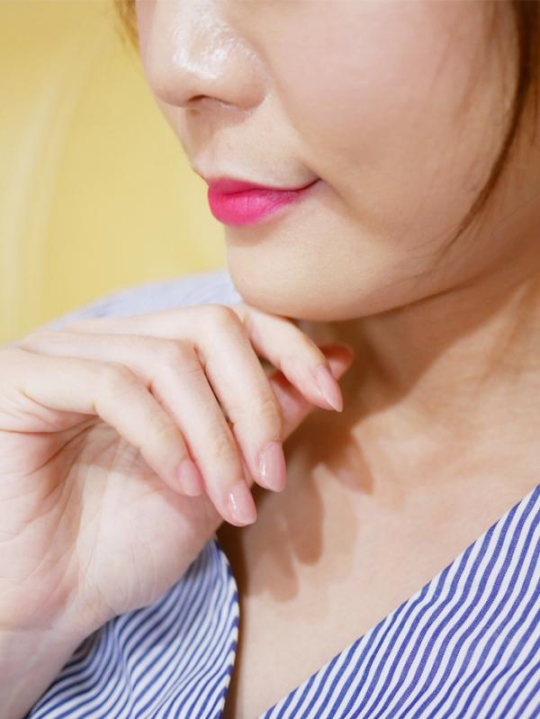 指彩。新品試色 《MILD%5CS曼思》水性可剝健康指彩  色澤超粉嫩~喜歡這種不刺鼻又不用去光水就能輕鬆卸甲的指彩!