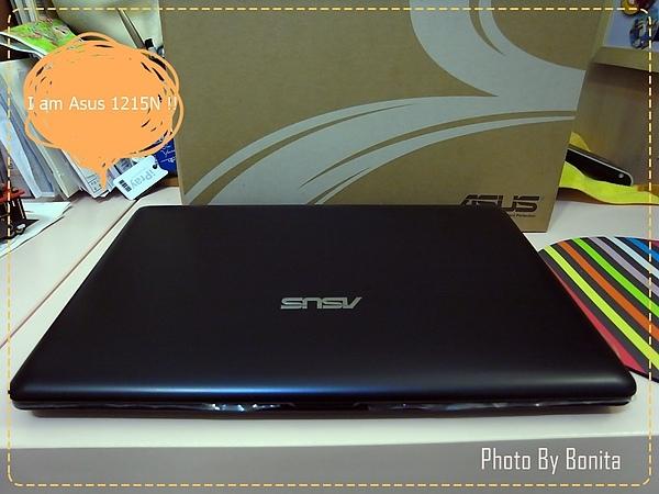 【壓箱私貨】小筆電大功能的ASUS Eee PC 1215N尊爵黑入手