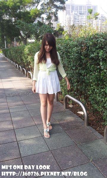 【MY 1 DAY LOOK】薄針織+蕾絲洋裝