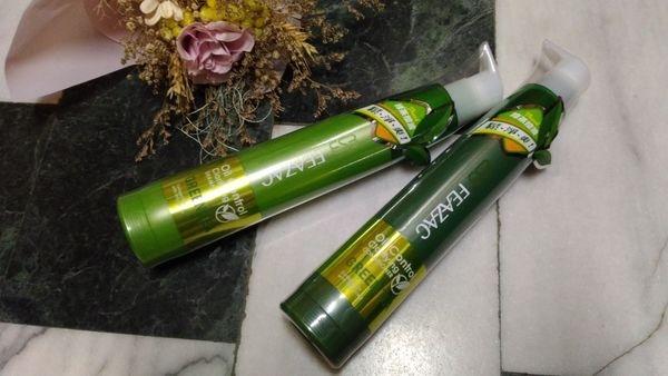 以茶入髮,長效控油——【FEAZAC 舒科】綠茶淨化調脂控油洗髮素×護髮素。