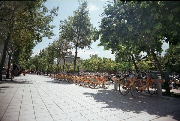 【台北】雙連、中山商圈與南京西路:帶著LOMO與陽光散步去: