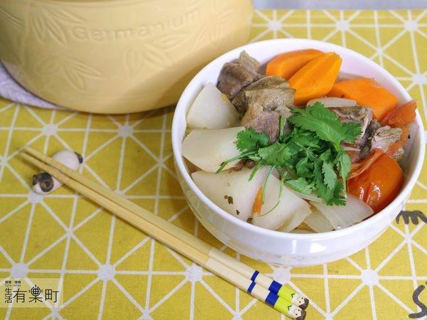 【料理好煮易】超簡單!用奧庫鍋做出美味清燉牛肉麺;內有食譜教學,加碼洋蔥水、茶葉蛋簡單烹飪法,用食補打敗寒流吧!