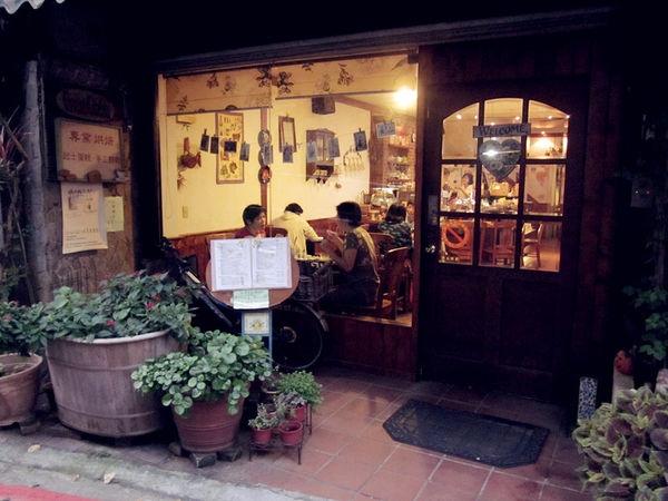 【台北大同】柯芬園咖啡館:樸實美味的戚風蛋糕