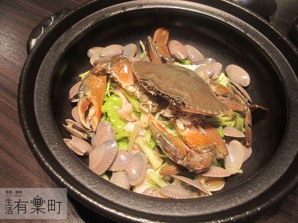 【桃園中壢美食】和熹精緻鍋物:激推花甲蟹火鍋,現撈海鮮烤物炸物大滿足!