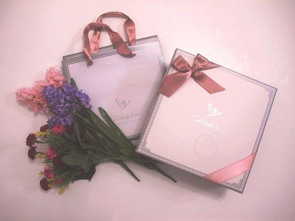 【Wedding】關於喜餅:Babyface手工烘培   璀璨奢華喜餅禮盒(銀白)