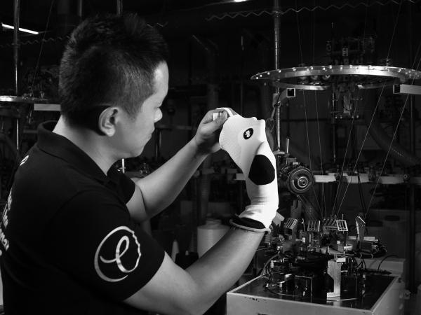 titan太肯運動科技,最專業的台灣襪子,運動短襪、羽球襪、排球襪、桌球襪、除臭襪、五趾襪與運動機能袖套
