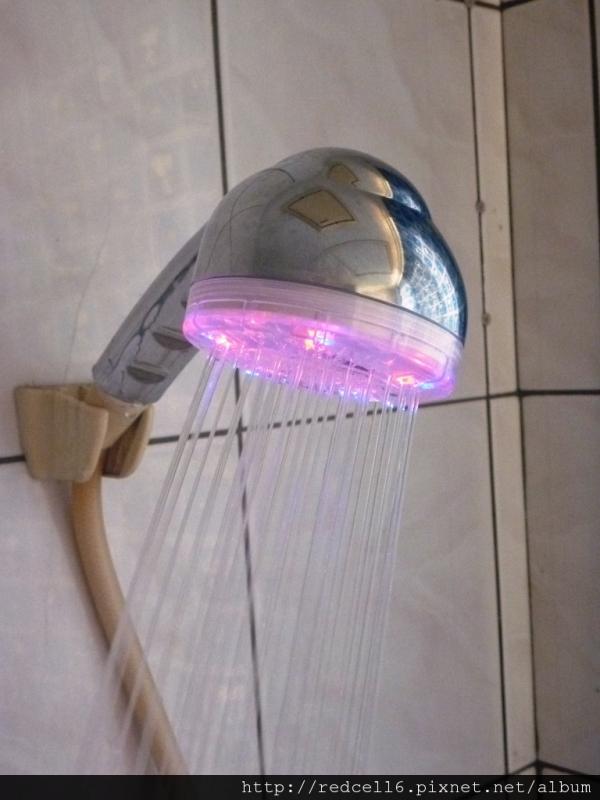 神奇多變的MagicShowerhead LED炫光蓮蓬頭開箱文