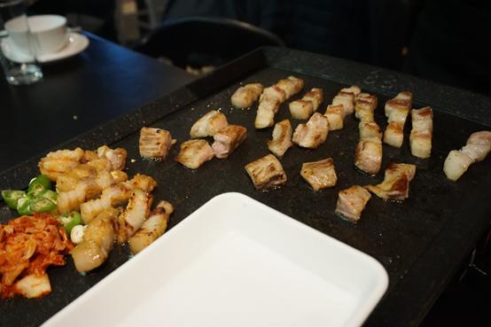 (食記)台北/東區/國父紀念館站旁,新沙洞韓國烤肉帶來韓國原汁原味/專人桌邊服務