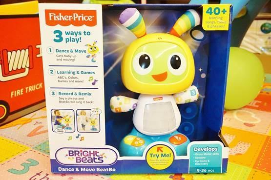 (育兒)給寶貝一個伴!費雪機器人小貝貝陪伴寶貝唱歌、跳舞、學習和模仿