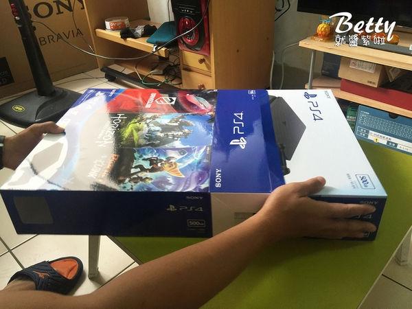 20170521開箱PS4 (8).jpg