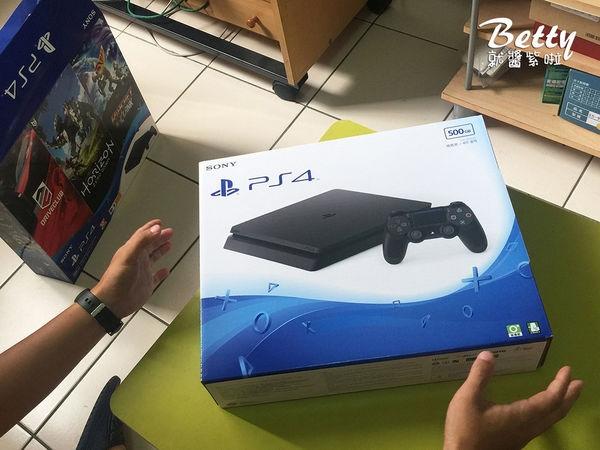 20170521開箱PS4 (9).jpg