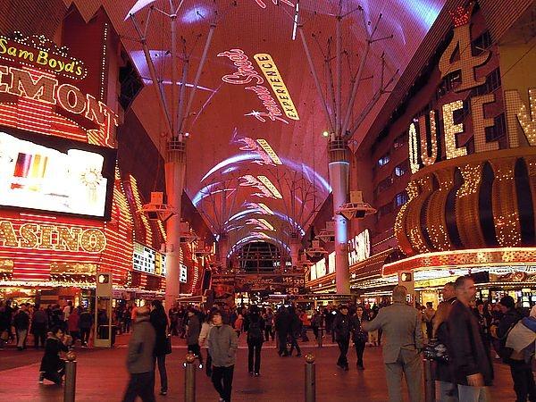鴨子の美西遊記~Las Vegas拉斯維加斯天幕秀~圖超多滴~