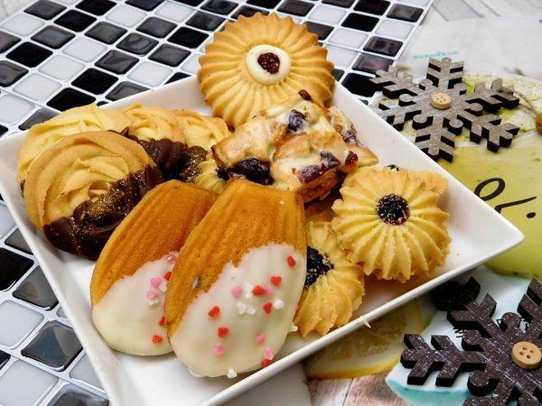 【宅配甜點】樂戀甜點屋 法式系列綜合組合^^一次六種組合全部給你喔!!鴨子最喜歡法式瑪德蓮+蔓越莓雪Q餅^^
