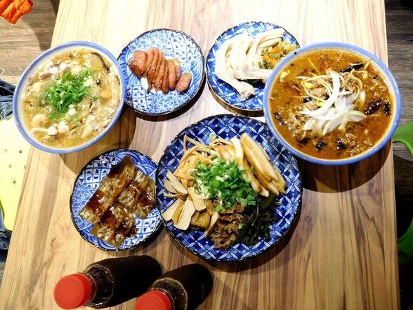 Woo姥姥麵館^^台北東區不一樣的麵館喔!!有好好吃的麵點小菜+優質的裝潢~CP值破表的體整感受^^鴨子超愛的一家店