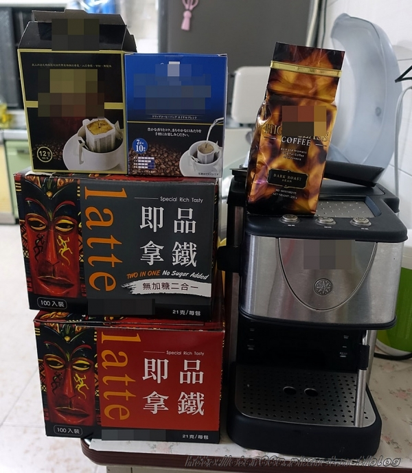 Nescafe雀巢咖啡/雀巢三合一冰咖啡/雀巢美式冰咖啡~我是咖啡控,夏天就是要冰涼才夠爽~(美食/體驗)