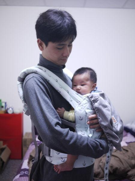 (開箱)ERGObaby寶寶背巾