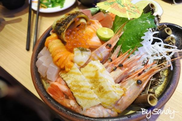 蘆洲平價日式料理【海力士】新鮮生魚片,豆漿/酸辣湯免費喝到飽~