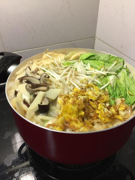 固鋼晶紅陶瓷不沾鍋具組x媽媽牌麵疙瘩煮法