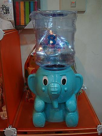 2011交換禮物 之 每天都要八杯水_小象迷你飲水機