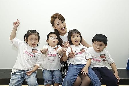 隋棠首度現母愛帕瑪氏粉紅捐百萬「粉紅行動 有妳真好」讓大家看見「不一樣的天使」