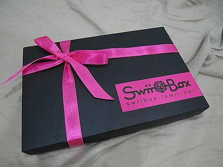 我也跟上潮流了~美妝驚喜福袋~十月份SwiiBox開箱文