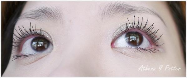 最近發現的超強組合。ETUDE HOUSE 整天宅在家-撥水造型睫毛膏× MAYBELLINE-HELLO KITTY快捷濃捲風睫毛膏