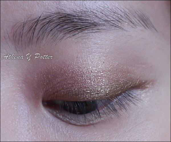 金閃閃眼妝~heme Chic 限量輕彩妝 - 霓幻晶鑽防水眼彩霜