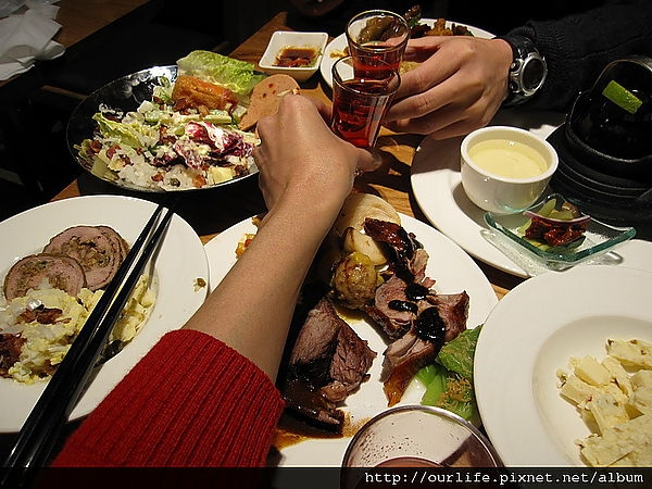 台中.餐點滿分服務好到破錶的歐式自助餐@饗。食天堂台中店