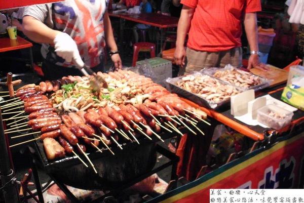 台中.石板烤肉@文心南夜市阿美石板烤肉(+wifi)