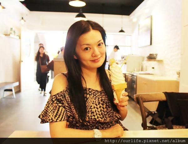 台中中區.很有泰國FU的蜂巢霜淇淋@Bee&Milk站前店