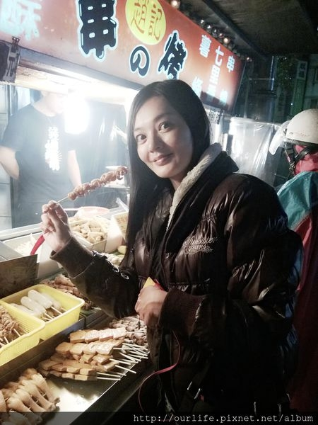 台中.軟嫩多汁的烤雞肉串@趙記串烤
