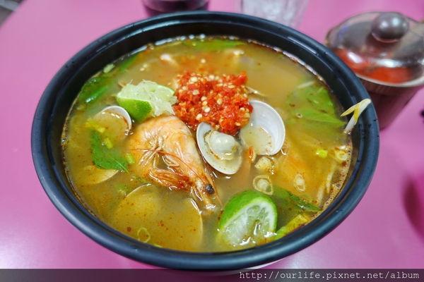 台中北屯.酸辣消暑又好吃的越南海鮮米線@陳記越南麵食