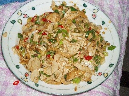 6/16-自製蔥辣涼拌素雞+玉米金針湯