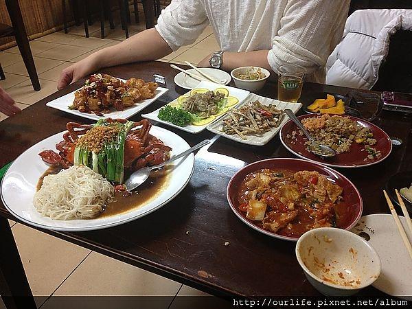 台中.胖到深處無怨尤的香辣活蟹拌麵線@獅兄弟風味小酒館