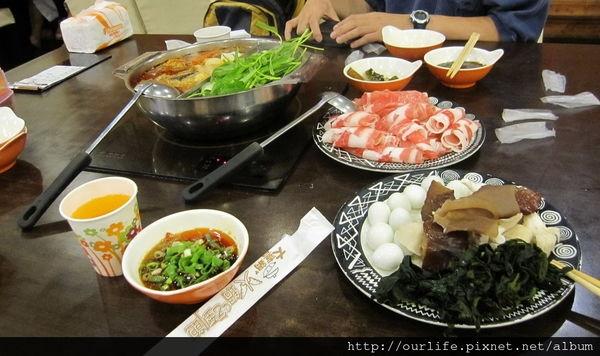 台中.185元吃到飽的食肉獸天堂火鍋@家樂福青海店大喜鍋