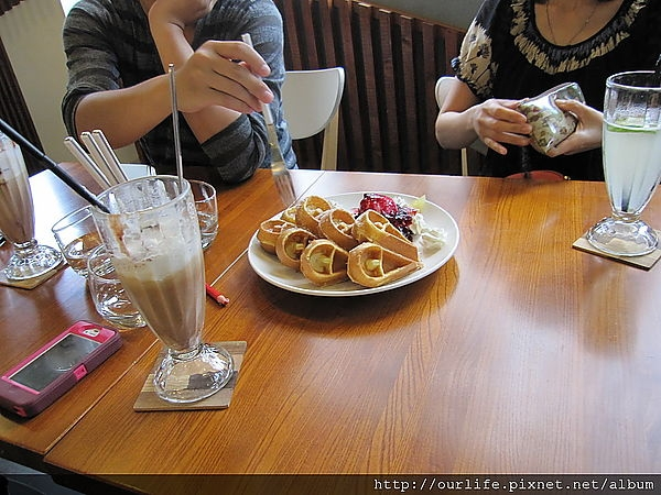 台中.客人比咖啡還要有看頭@rafiki(+wifi)