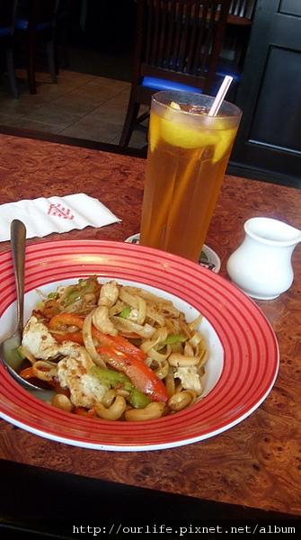 台中.超值泰式雞肉麵@firday's美式餐廳英才店