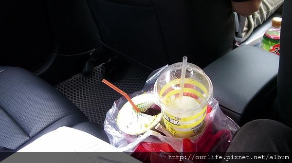 墾丁大街隨意阣.抹茶霜淇淋+現烤生蠔
