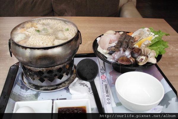 彰化.清甜海鮮米粥鍋@食話石說麵食館