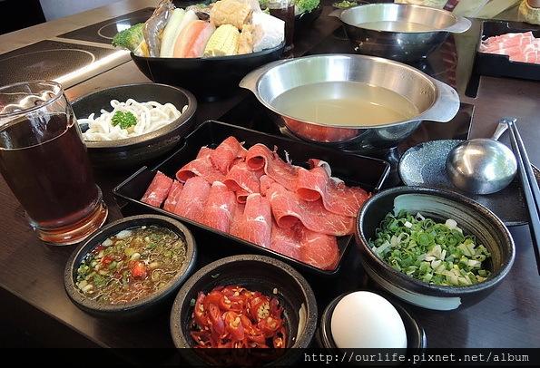 台中.不輸輕井澤的肉多湯甜菜盤好的小火鍋@大和鍋物
