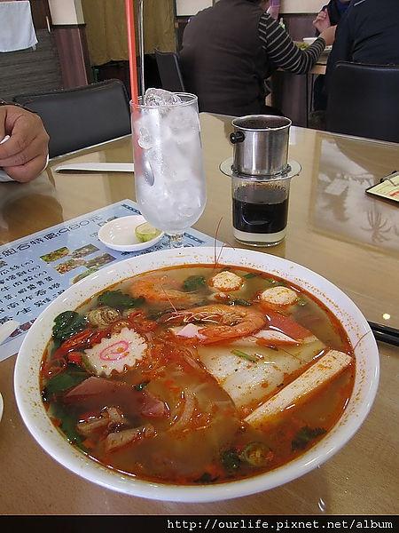 台中.滿分越南酸辣海鮮河粉越南咖啡@小西貢越南河粉